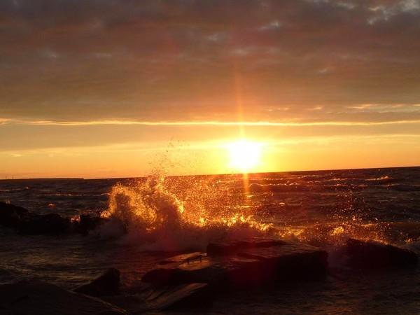 Images coucher de soleil - Page 5 68b67ba2