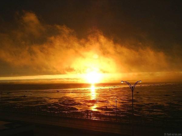 Images coucher de soleil - Page 2 9383d73a