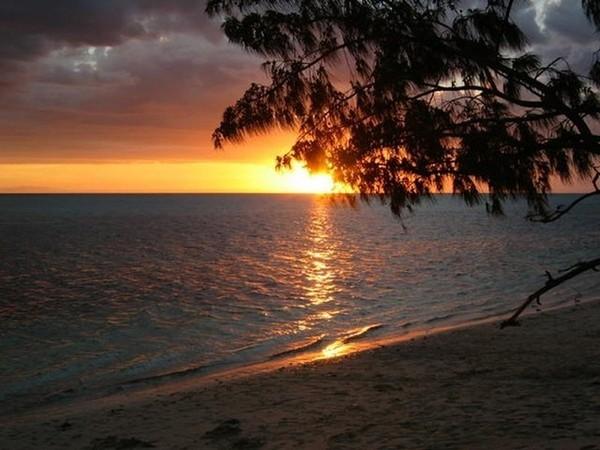 Images coucher de soleil - Page 2 Fb0d269b